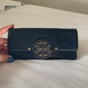 Tory Burch Black Pebbled Leather Wallet 👝